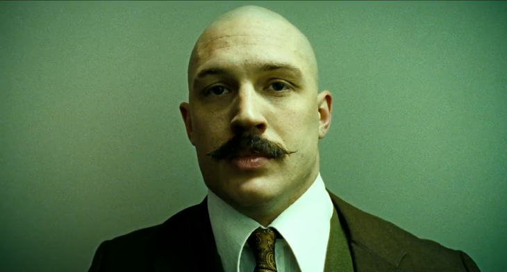 Charles Bronson (Tom Hardy), en Bronson
