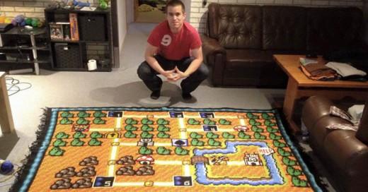Fan de Super Mario Bros tardó 6 años tejiendo un tapete del mapa del primer nivel