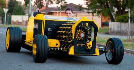 Este hombre fabricó un automóvil 100% de lego que corre con aire