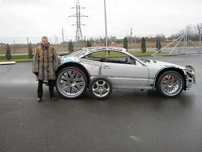 Carro de lujo con material expandible