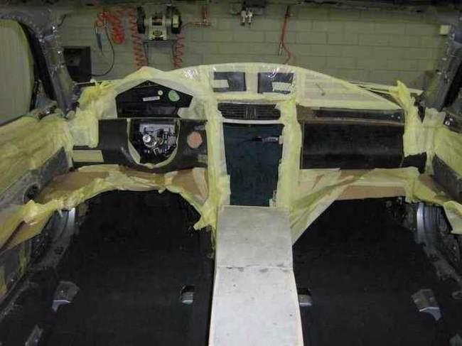 Carro de lujo con material expandible interior