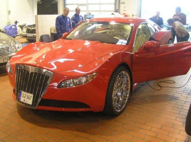 Carro de lujo con material expandible terminado