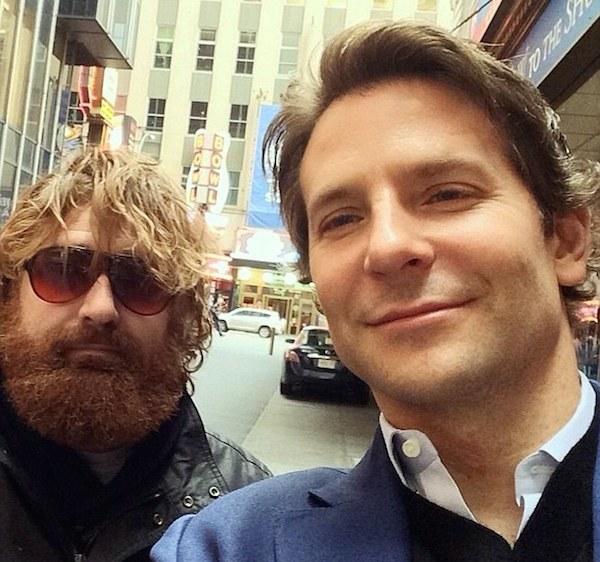 Imitador de Alan y Bradley Cooper.