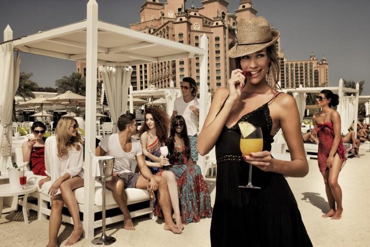 Fiesta en una isla de Dubai