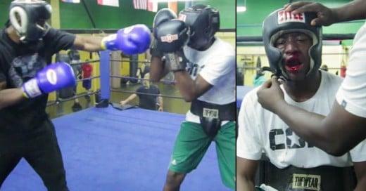 Padre forza a su hijo pelear contra un boxeador profesional al descubrir que hace bullying a sus compañeros