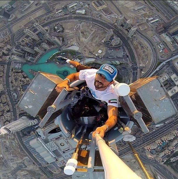 selfie principe en torre burj khalifa