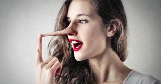 12 Grandes mentiras que dicen las mujeres y que los hombres no nos creemos