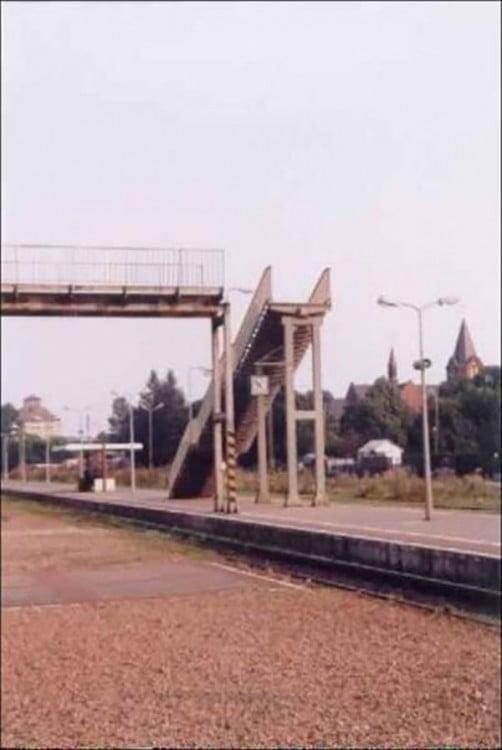 puente sin finalidad, mal hecho inutil