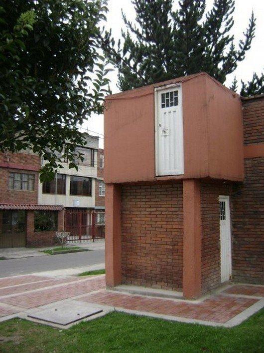 puerta inutil en segundo piso