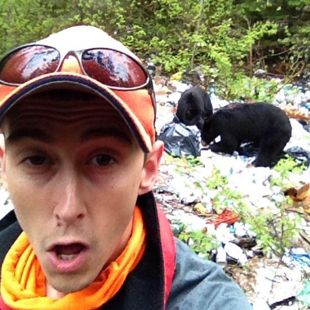 selfie con osos salvajes