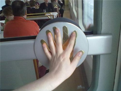 puerta para 6 dedos