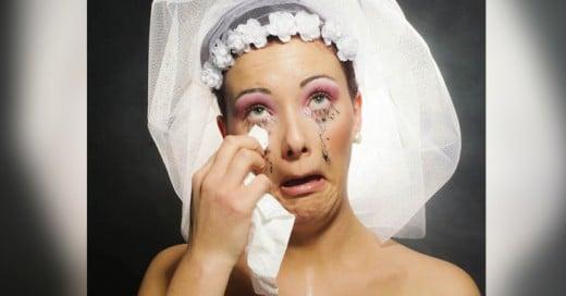 Hombre demandó a esposa por verse fea sin maquillaje después de la boda