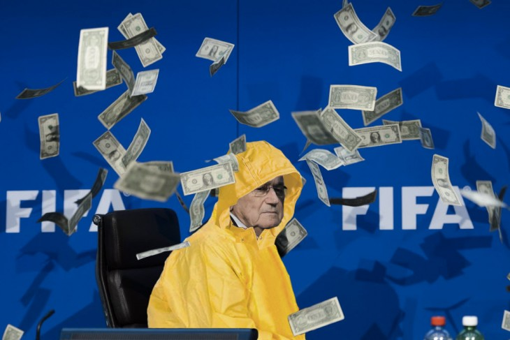 blatter con impermeable