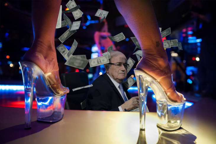 blatter en club nocturno table dance