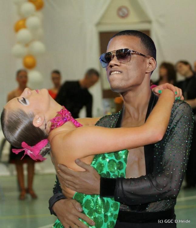 El gracioso rostro de este bailarín es el más photoshopeable