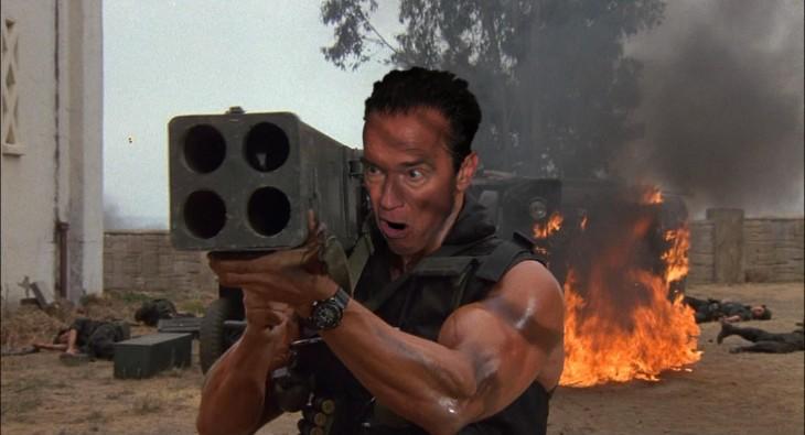 Photoshopean a Arnold Schwarzenegger comiendo un helado comando