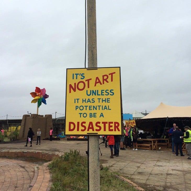 no es arte hasta que tenga el potencial de ser un desastre dismaland