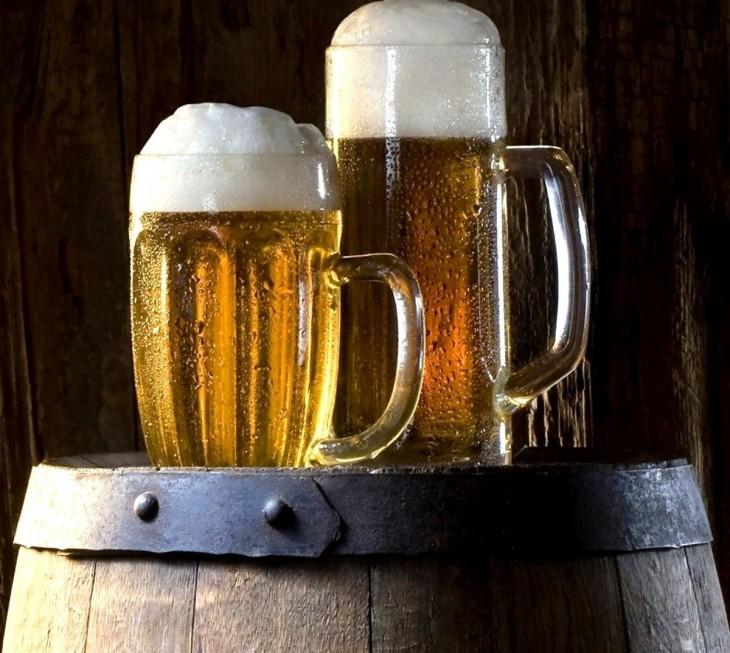 tarros de cerveza clara