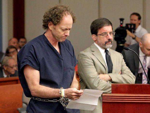 Padre en el juicios, Gasta su herencia para demostrar que su padre mató a su mamá