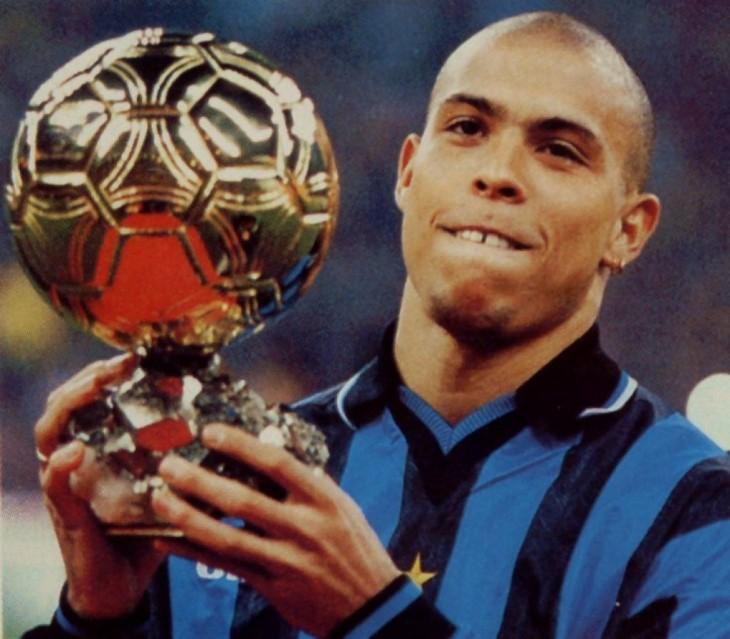 Ronaldo con balón de oro