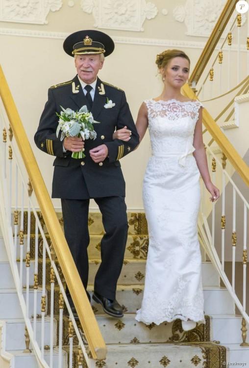 Ivan Krasko y Natalia Shevel bajando las escaleras