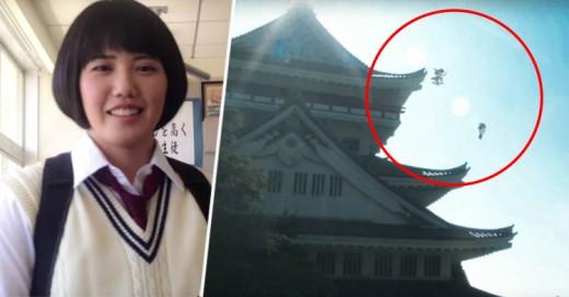Japonesas ninjas vestidas de colegialas practicando Parkour