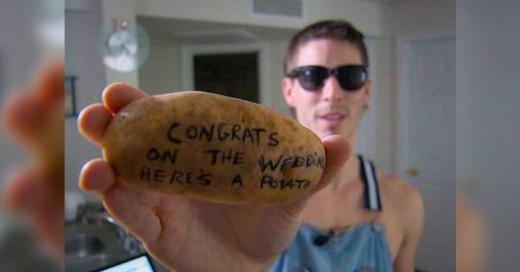 Él gana 10 mil dólares al mes con una bolsa de papas y un plumón