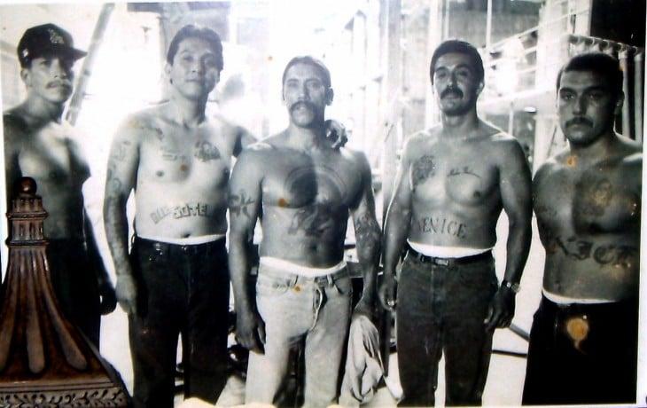 Danny Trejo joven con su banda