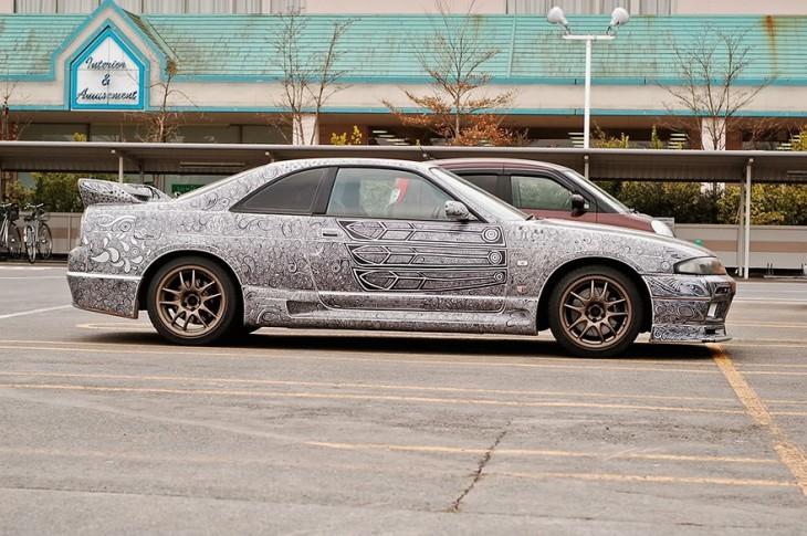 novia pinta Nissan Skyline GTR paso 8