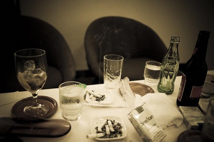 cena de los yakuza en una reunión