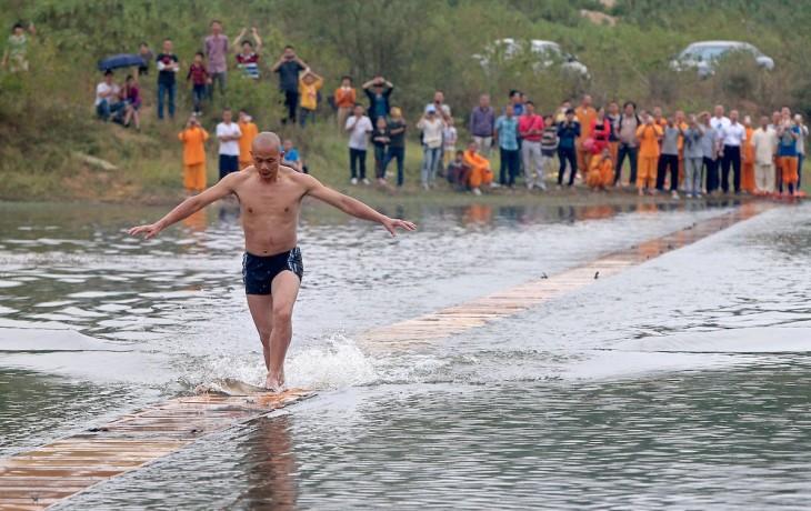 Shi Liliang recorrió 125 metros