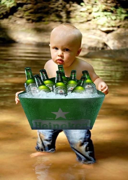 Photoshopean a bebé, con cervezas