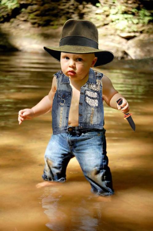 Photoshopean a bebé, cazador