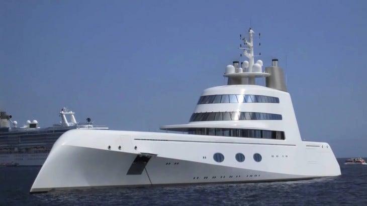 yate Superyacht A