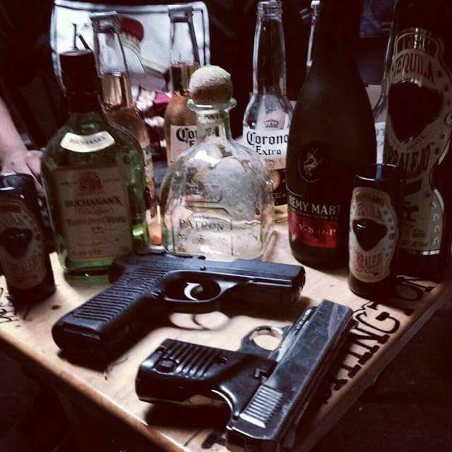 armas y alcohol de narcojuniors