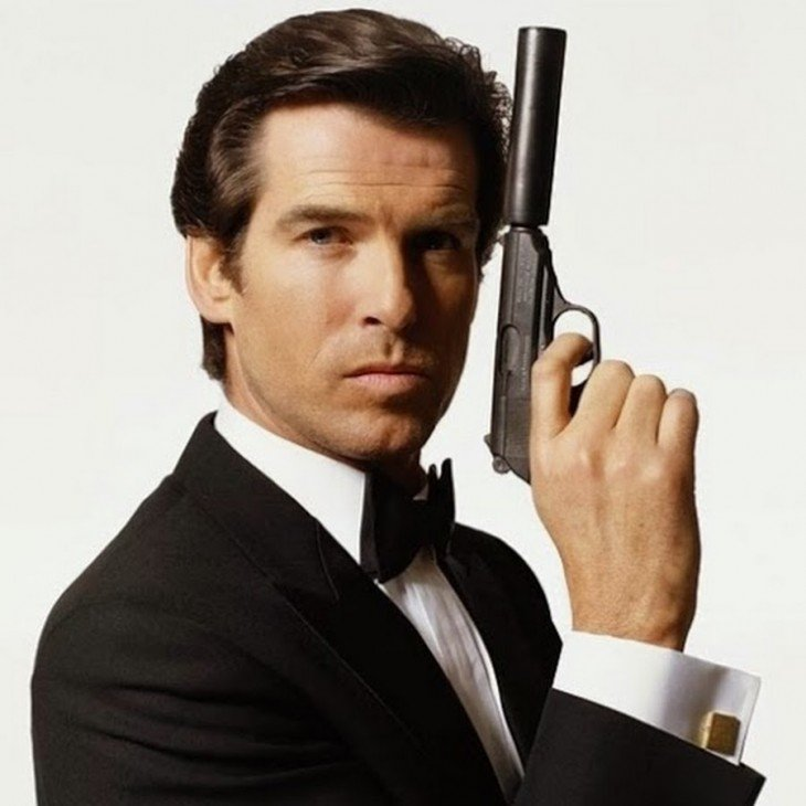 pierce bronsnan james bond pistola con silenciador