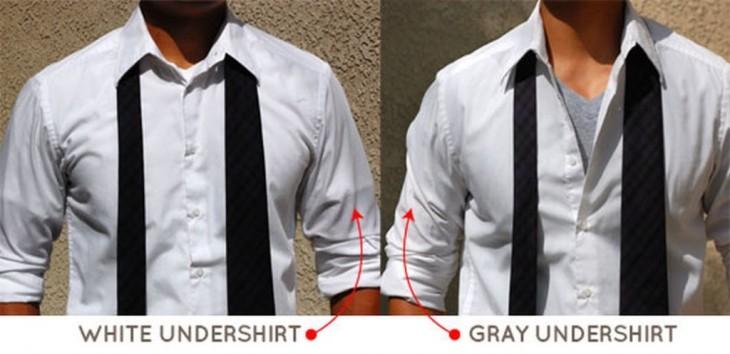comparación de camiseta gris y blanca con camisa blanca