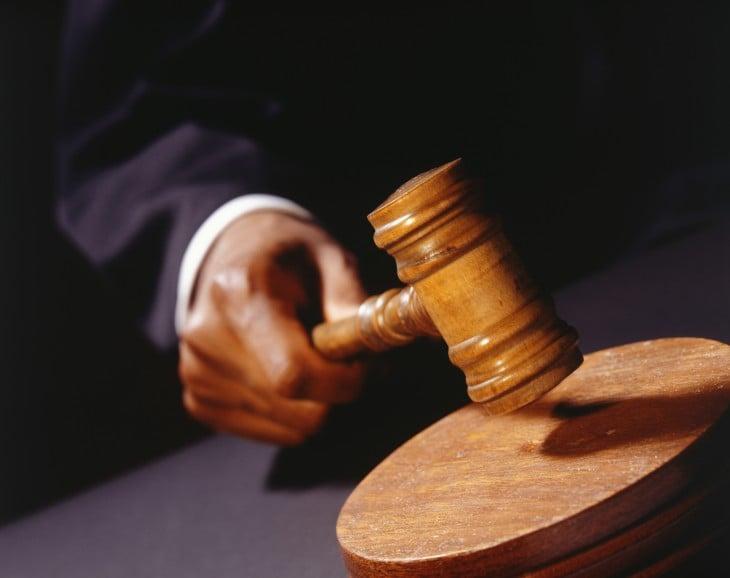 juez dicta sentencia