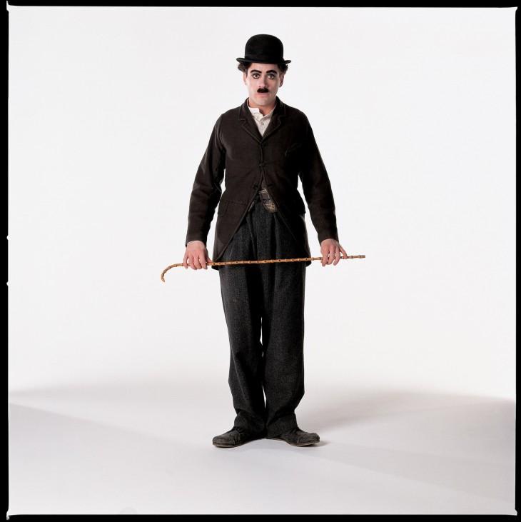 Chaplin con bastón