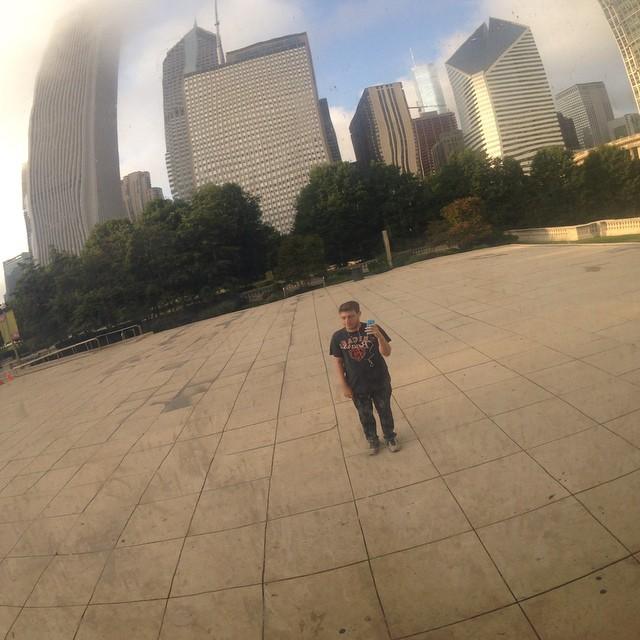 robbie chernow foto solo en the bean en el millenial park