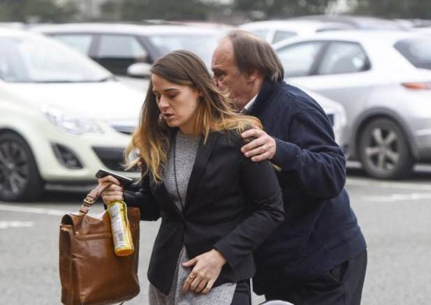 caso gayle newland victima con abogado