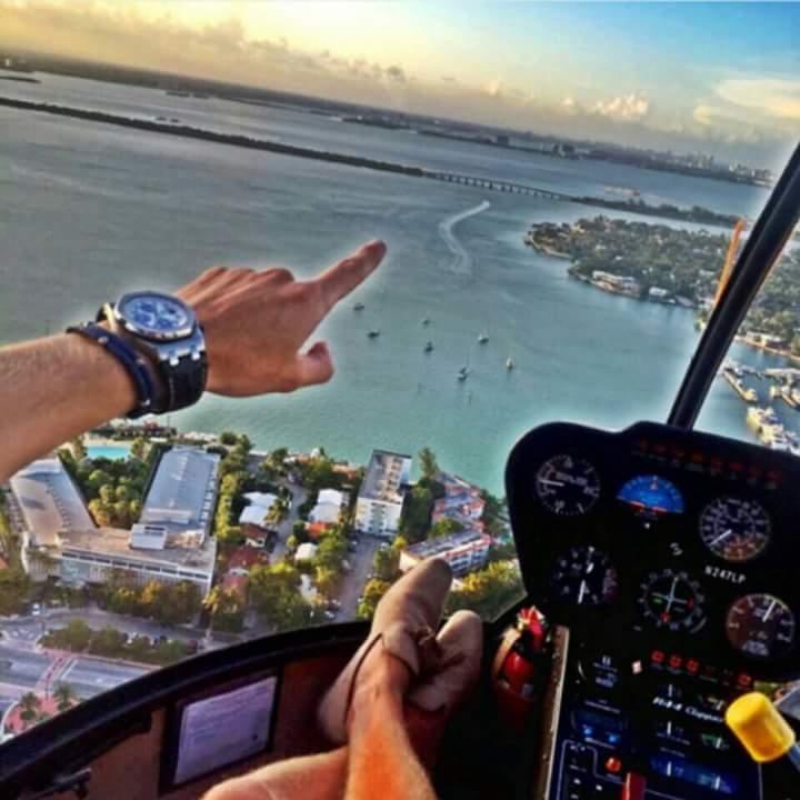 helicoptero de narco junior en el mar