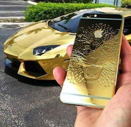 iphone de oro con lamborghini bañado en oro