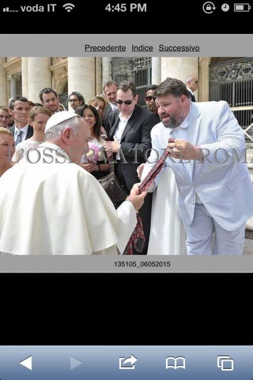 Jeff saluda al Papa Francisco