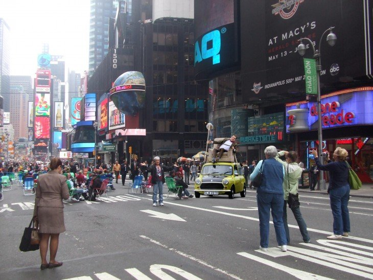 photosopean a mr bean en nueva york