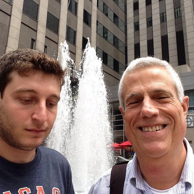 reportero con robbie chernow en chicago