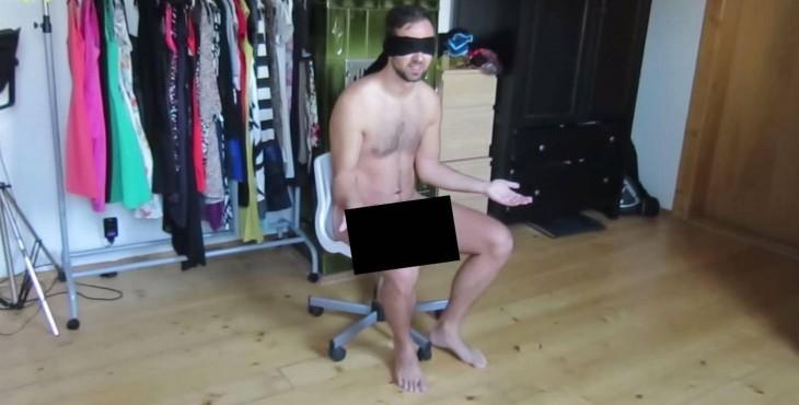 Novio sentado desnudo y vendado
