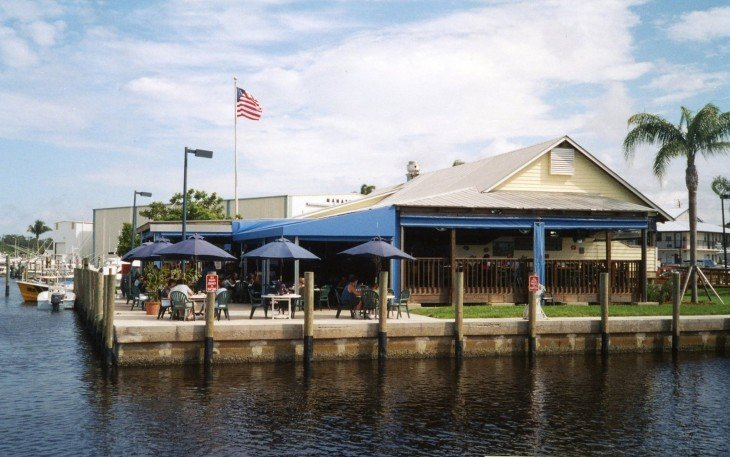 shrimpers grill and raw bar puerto