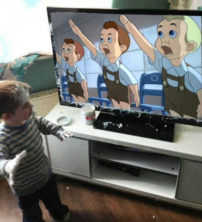 caricatura Niño que mancha televisor
