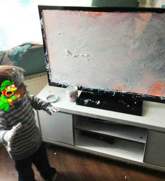 duende de los simpson Niño que mancha televisor